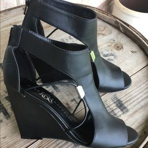 Rock & Republic Cut Out Booties